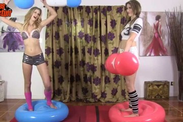 Sexy Girls Fighting – Gladiator Style!